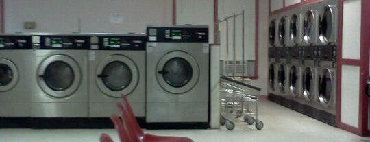 Sun Ray Cleaners and Laundry is one of Posti che sono piaciuti a Geraldine  🤡😻😆💋👋.