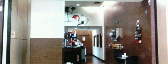 Café do Ponto is one of Orte, die Cris gefallen.