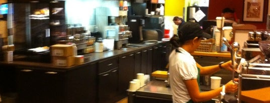 Starbucks is one of Lieux sauvegardés par Rick.