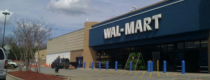 Walmart is one of Lugares favoritos de Waleed.