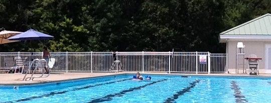 Neuse River Pool is one of Tempat yang Disukai Jennifer.