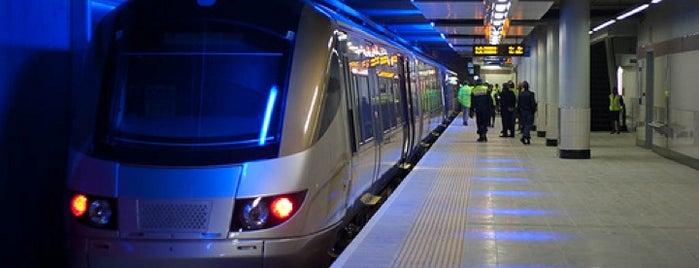 Gautrain Sandton Station is one of Locais curtidos por Aptraveler.