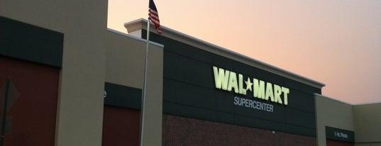 Walmart Supercenter is one of Lieux qui ont plu à Jay.