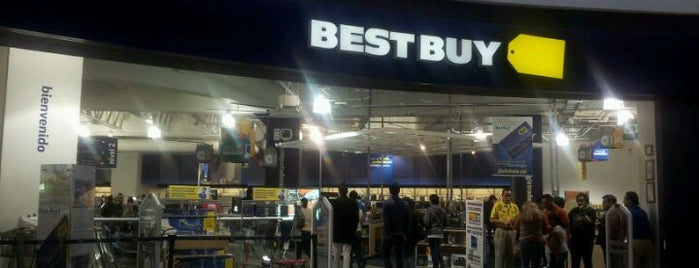 Best Buy is one of Locais curtidos por Isabel.
