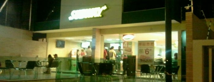 Subway is one of Orte, die Oswaldo gefallen.