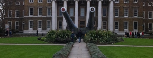Imperial War Museum is one of England To Do.