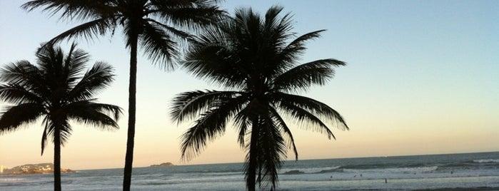 Praia de Pitangueiras is one of Melhores Praias.