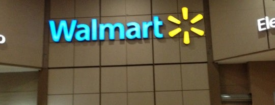 Walmart is one of Locais curtidos por Lalo.