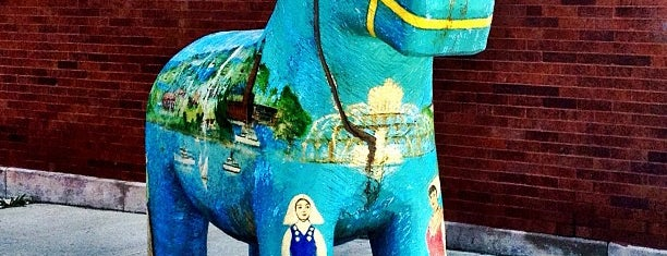 Andersonville Swedish Dala Horse is one of Joshua 님이 저장한 장소.