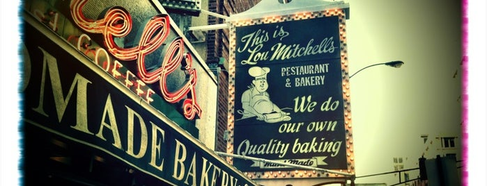 Lou Mitchell's is one of Lugares favoritos de Sean.