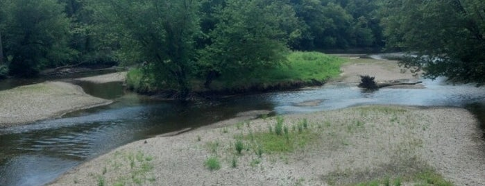 Blackhawk Springs Forest Preserve is one of Posti che sono piaciuti a Neal.
