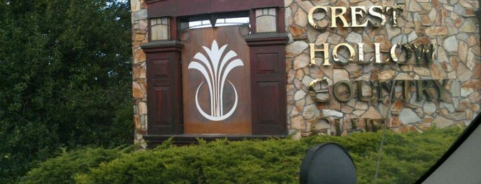 Crest Hollow Country Club is one of Tempat yang Disukai st.
