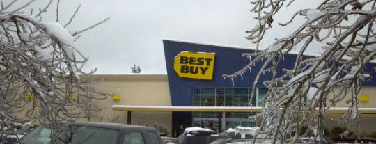 Best Buy is one of Locais curtidos por Joe.