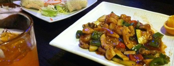 Blue Bay Asian Cafe is one of Lieux qui ont plu à Alan.