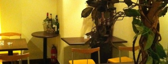 CoCoLo cafe is one of 新宿御苑に近いカフェ.