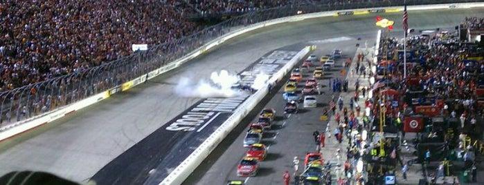 ブリストル・モーター・スピードウェイ is one of Racetracks Around America.