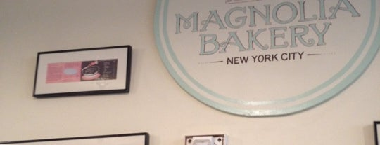 Magnolia Bakery is one of NYC Food.