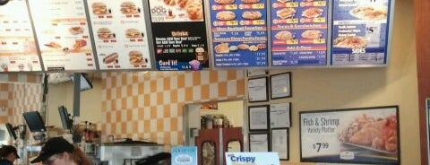 Long John Silver's / A & W is one of Emilyさんのお気に入りスポット.