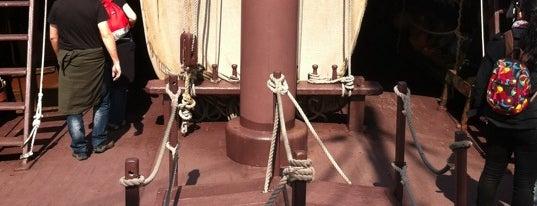 Carabela La Pinta is one of Ships (historical, sailing, original or replica).