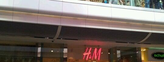 H&M is one of Paul'un Beğendiği Mekanlar.