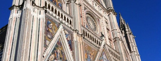Duomo di Orvieto is one of GOTHIC.