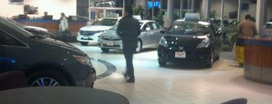 Peters Nissan of Nashua is one of Orte, die Joe gefallen.