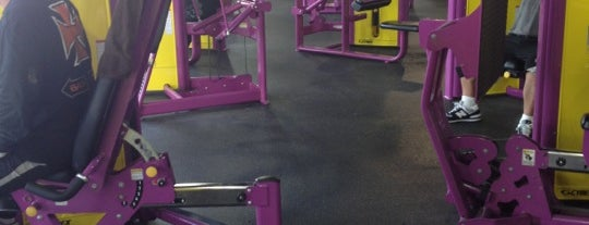 Planet Fitness is one of Locais curtidos por Brian.