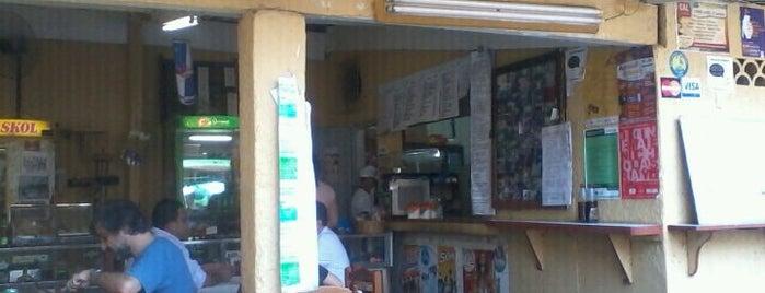 Bar do Manoel is one of Locais curtidos por Pedro.