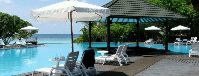 Adaaran Select Meedhupparu Island Resort is one of Алексей: сохраненные места.