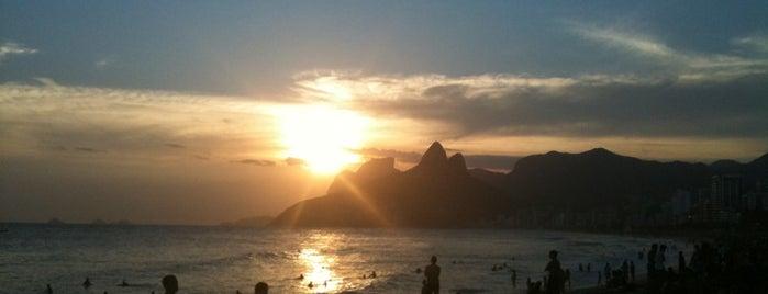 Praia do Arpoador is one of Trip Rio.