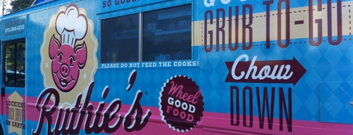 Ruthie's Rolling Cafe is one of DFW Food Truck ❤.