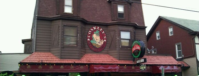 Coakley's Irish Pub is one of Lieux qui ont plu à Donnie.