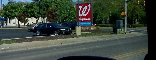 Walgreens is one of Tempat yang Disukai David.