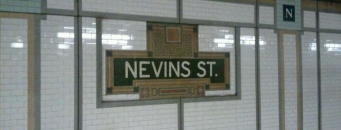 MTA Subway - Nevins St (2/3/4/5) is one of Jasonさんのお気に入りスポット.