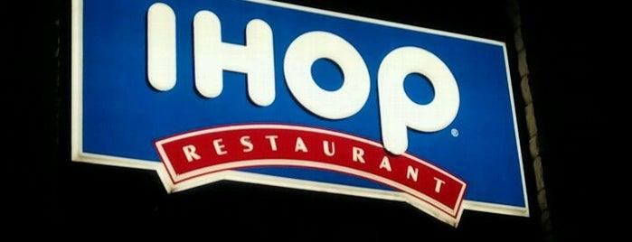 IHOP is one of สถานที่ที่ Jared ถูกใจ.