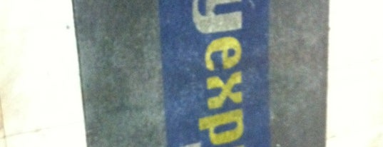 City Express is one of Orte, die Cris gefallen.