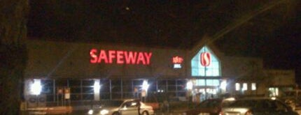 Safeway is one of Orte, die Brian gefallen.
