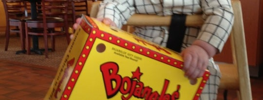 Bojangles' Famous Chicken 'n Biscuits - CLOSED is one of Lukeさんのお気に入りスポット.