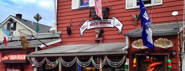 Billy & Madeline's Red Room Tavern is one of Orte, die Joan gefallen.