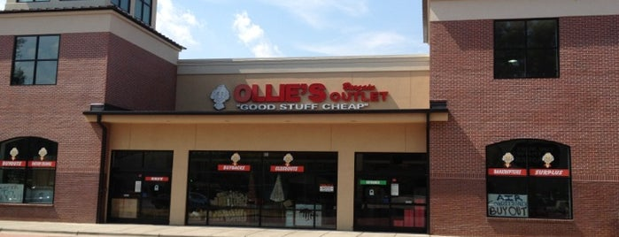 Ollie's Bargain Outlet is one of Pattyさんのお気に入りスポット.