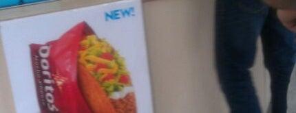 Taco Bell is one of Locais curtidos por Michael.
