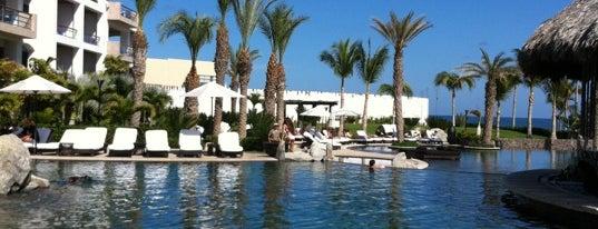 Cabo Azul Resort is one of Posti che sono piaciuti a Pierre.