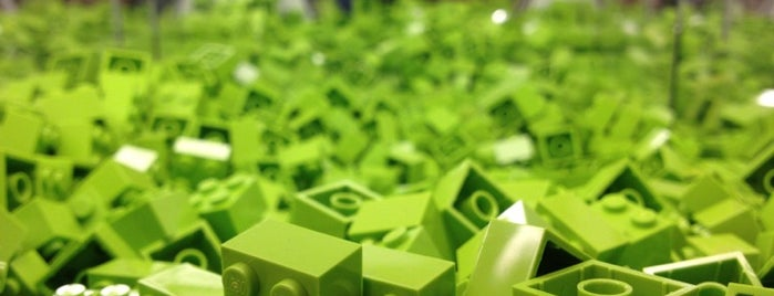 The LEGO Store is one of Lisa : понравившиеся места.
