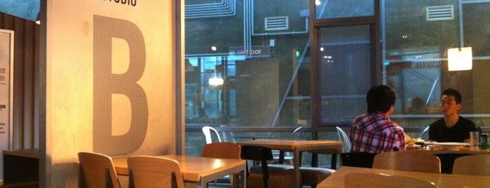 BBQ Café is one of สถานที่ที่ Kyusang ถูกใจ.