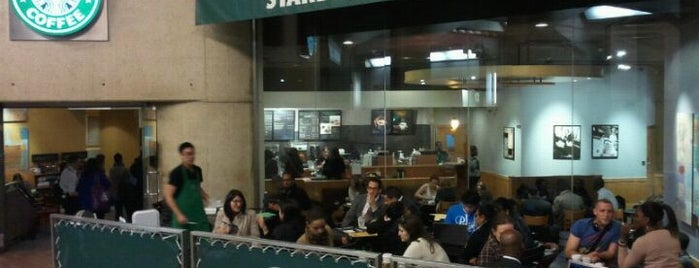 Starbucks is one of Lugares guardados de Samet.