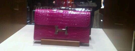 Hermès is one of Locais curtidos por 9aq3obeya.