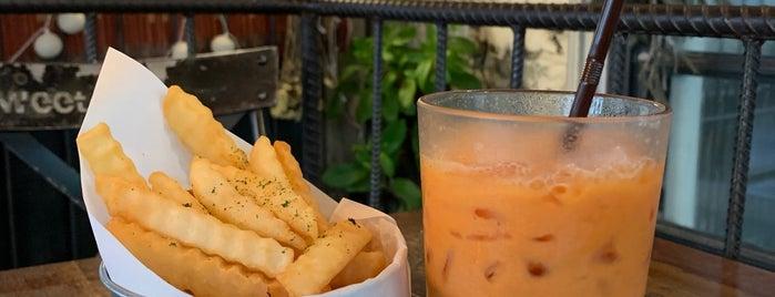 B-Story Café is one of Orte, die WuWu gefallen.
