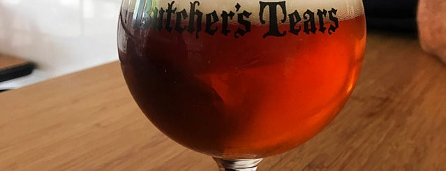 Butcher's Tears Brewery and Taprooom is one of Lugares guardados de Tatiana.
