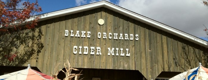 Blake's Orchard & Cider Mill is one of Excellent Farms for Apple Picking.