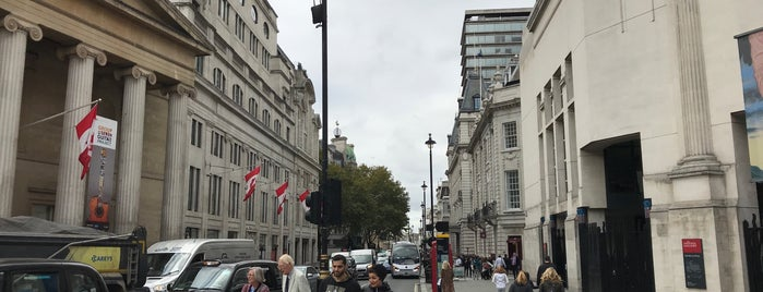 Pall Mall East is one of Londen.